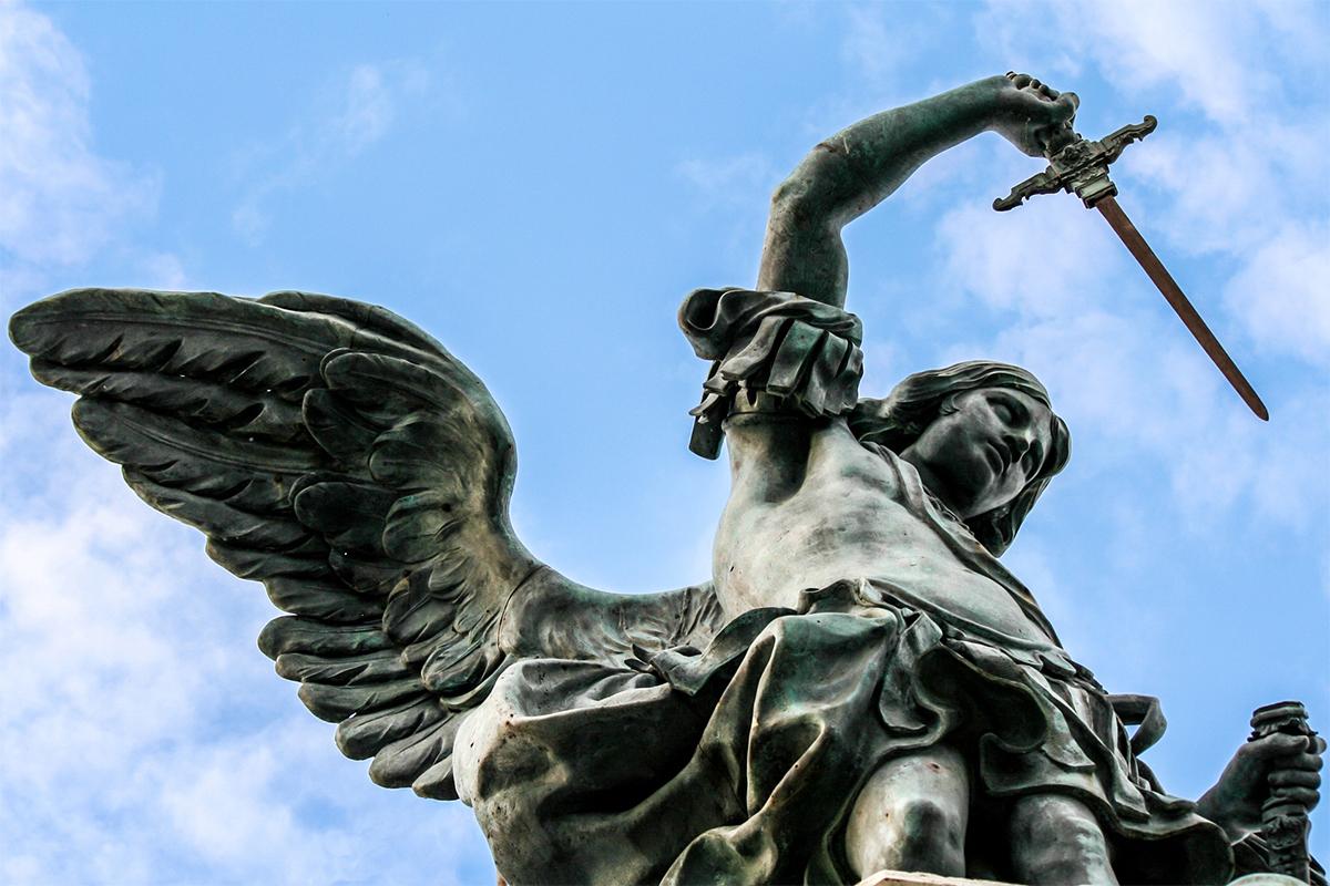 наше время ангел с мечом статуя картинки такая