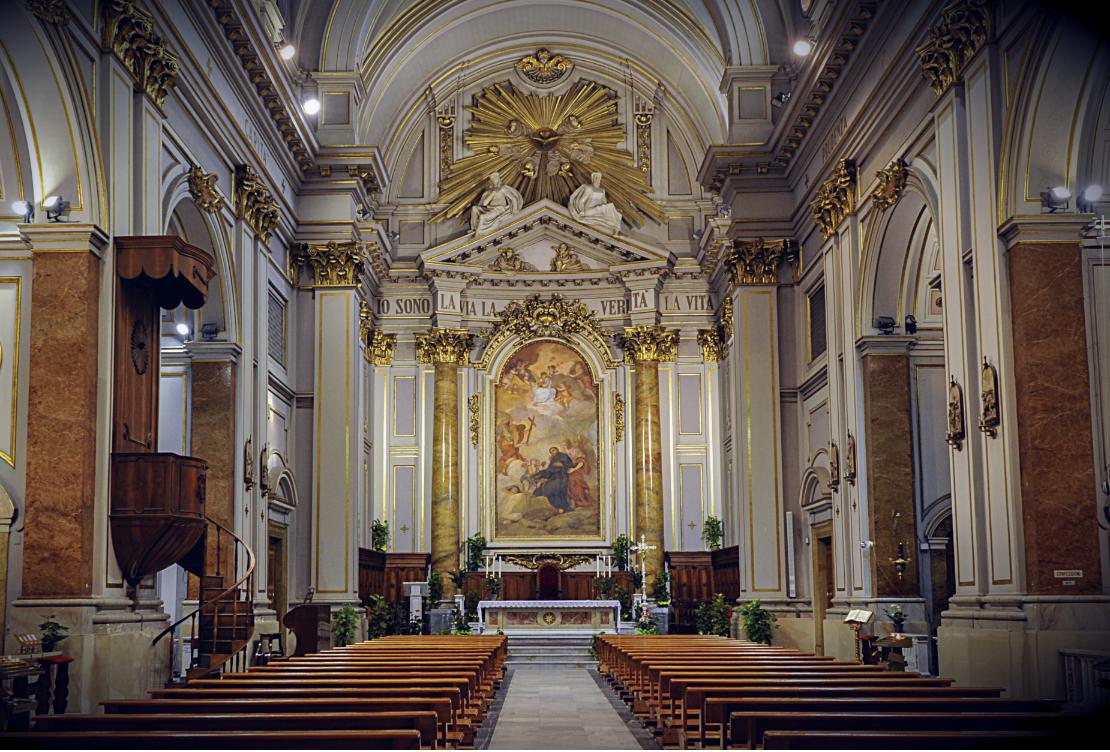 Bon Lundi Cattedrale_di_civitavecchia_-_interno