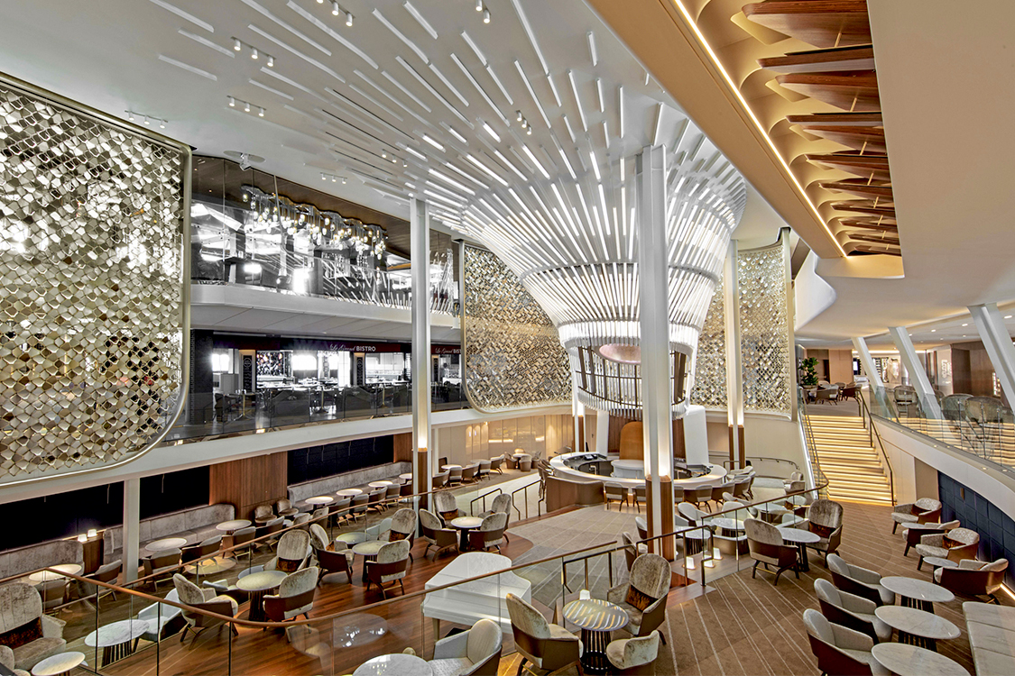 Respect the restaurant shifts - Photo by www.celebritycruises.it