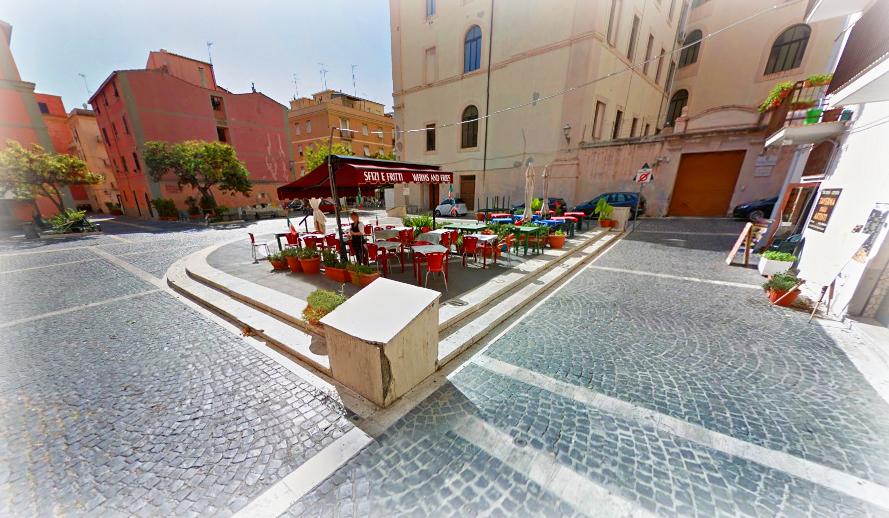 Civitavecchia   Piazza Antonio Fratti