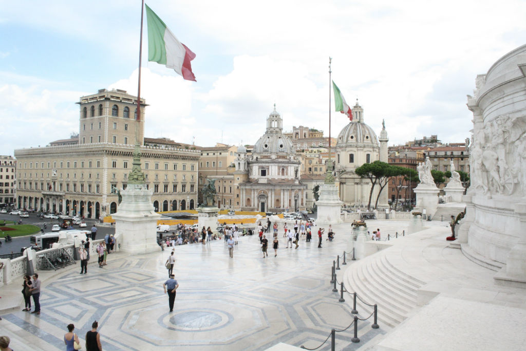 A side of Piazza Venezia from the Altare della Patria