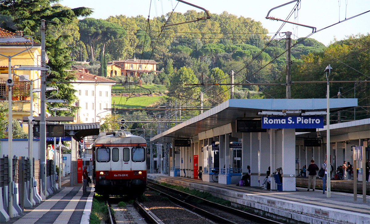 Roma San Pietro Train Station - Picture by General Cucombre, CC BY 2.0