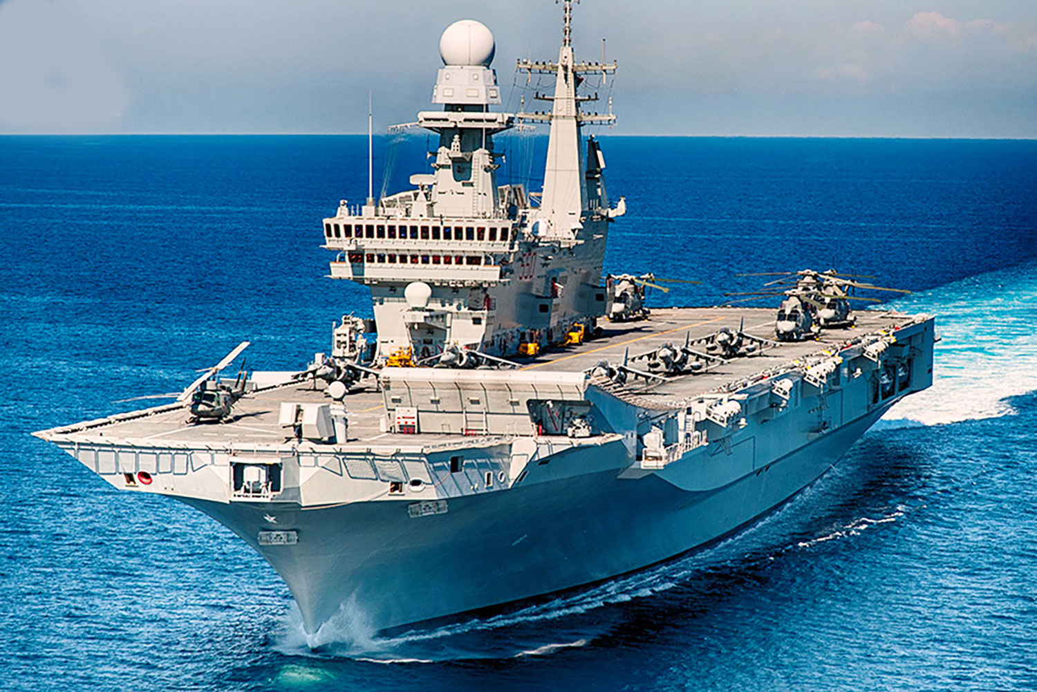 Amazing Aircraft Carrier Cavour of the Italian Navy. The ship will stop at Civitavecchia and it will be open to visitors