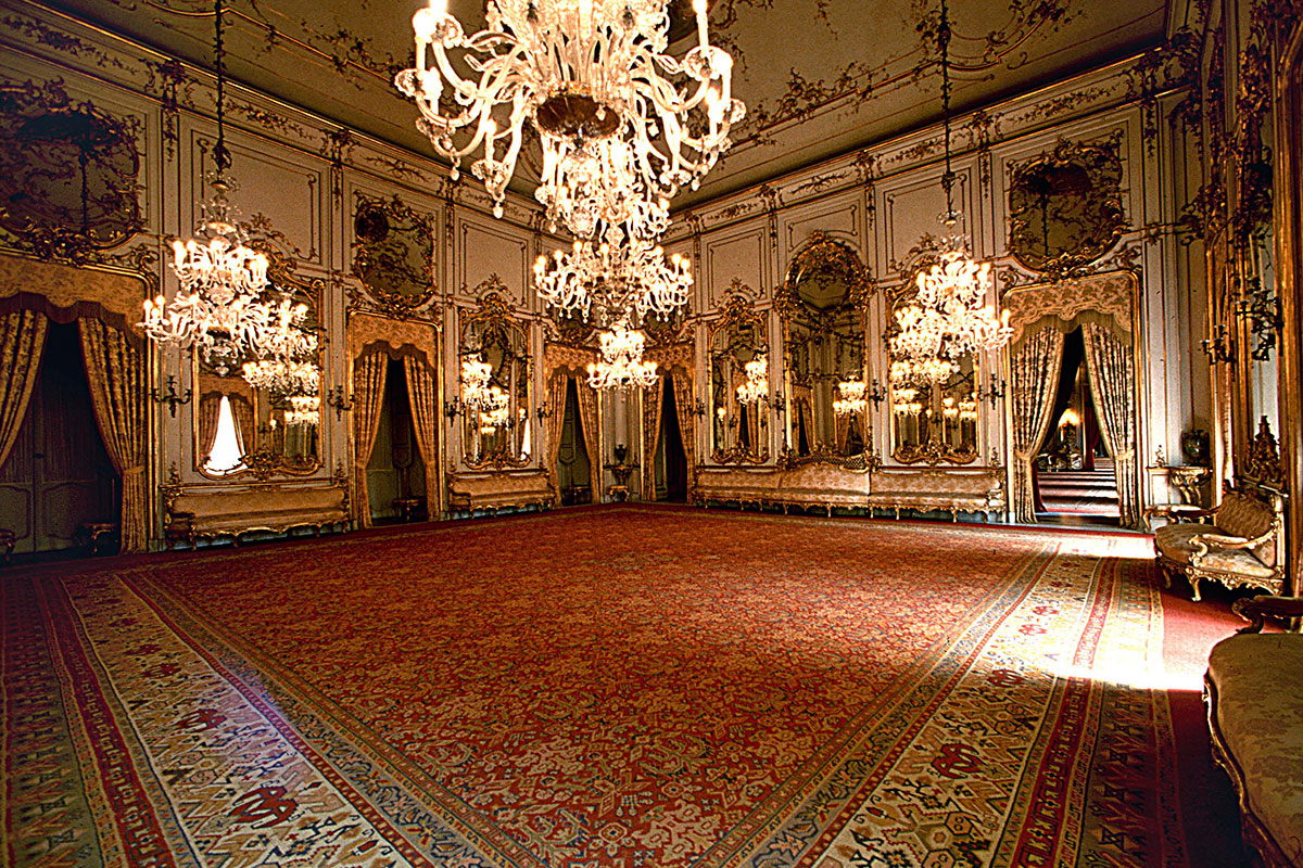 The quirinal palace residence of the president of the for Sala 976 latin palace