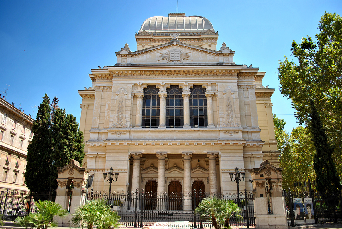 The Synagogue or Tempio Maggiore is one of the most important religious and cultural symbols for the Jewish community in Rome