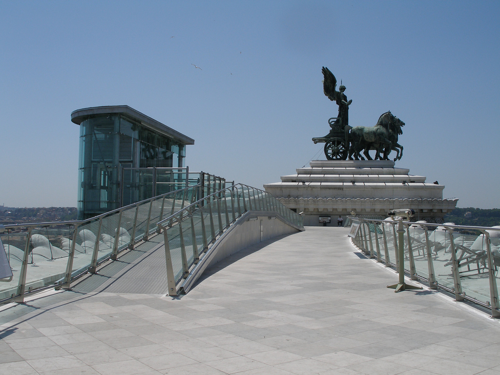 Il Vittoriano E Piazza Venezia Port Mobility Civitavecchia