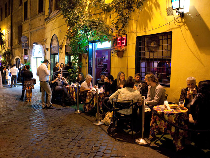 A typical evening in Trastevere, Rome